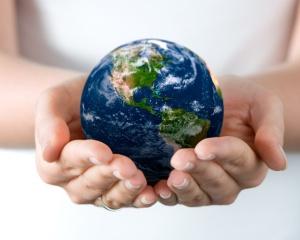 نحن والعالم نتقاسم الكرة الأرضية
